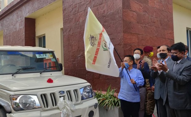 Utility vehicles handed over to 14 SHGs under AGEY Govt to provide incentive to agriculture-horticulture produce: CM