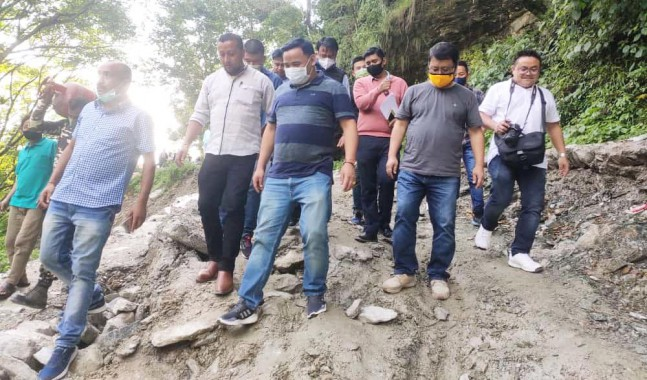 Minister Bhim Hang directs R&B dept for early restoration of Geyzing-Sakyong road
